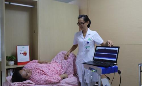 Bệnh lý són tiểu gây khó chịu cho nhiều người (Ảnh: BVCC).