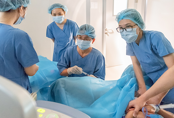 Thủ thuật chọc hút trứng tại Bệnh viện Mỹ Đức. Ảnh do bệnh viện cung cấp.