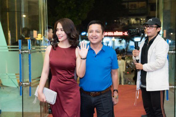 Danh hài Chí Trung đã ly hôn người vợ gắn bó hơn 30 năm, có bạn gái mới là doanh nhân 5