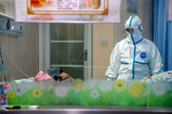 """Đại dịch virus corona: Kỷ lục buồn tại Trung Quốc và ước tính """"giật mình"""" từ Hong Kong - Ảnh 1."""