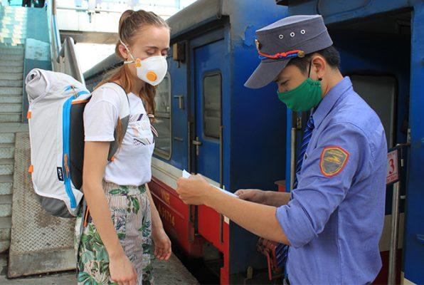 Dịch Covid-19 ở Việt Nam ngày 10/3: 31 ca nhiễm, bắt đầu khai báo y tế toàn dân, theo dõi sức khoẻ hơn 20.000 người - Ảnh 9.