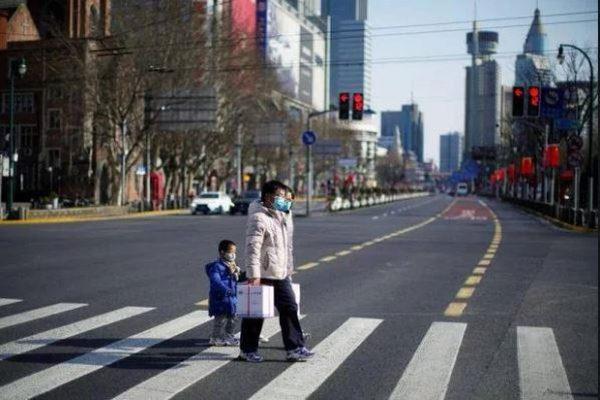 Covid-19: Thành phố Trung Quốc vừa dỡ lệnh phong tỏa 30 phút, vội áp dụng trở lại - Ảnh 1.